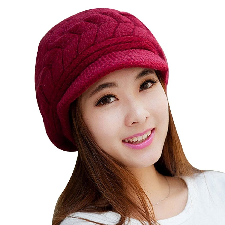 The Allison hat Women/'s cricheted winter cap.