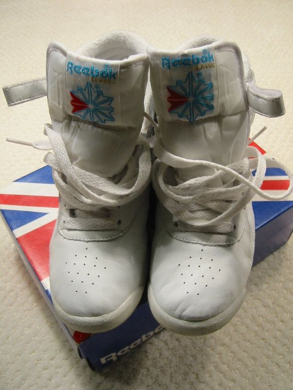 vintage 80s white Reebok freestyle hi-top sneakers - gently worn - womens  size 6 M a499c6593