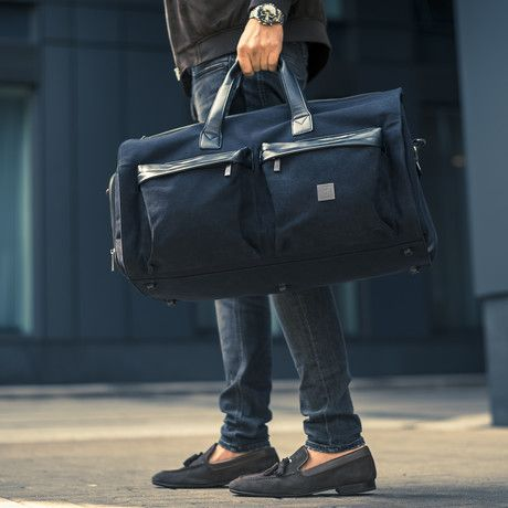 2f7a72f7e0 The James Hawk Suit Weekender is the perfect bag for business travel. An  integrated garment bag ensures that your suit or shirt will stay  wrinkle-free.