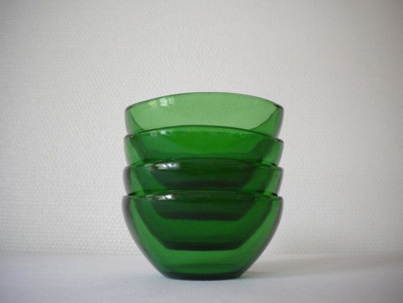 Retro vintage 60s  70s / 4 green bowls / Vereco france by MIKITCHU, €20.00