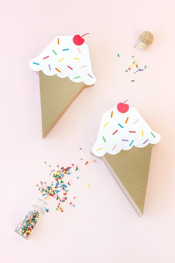 DIY Ice Cream Cone Treat Box