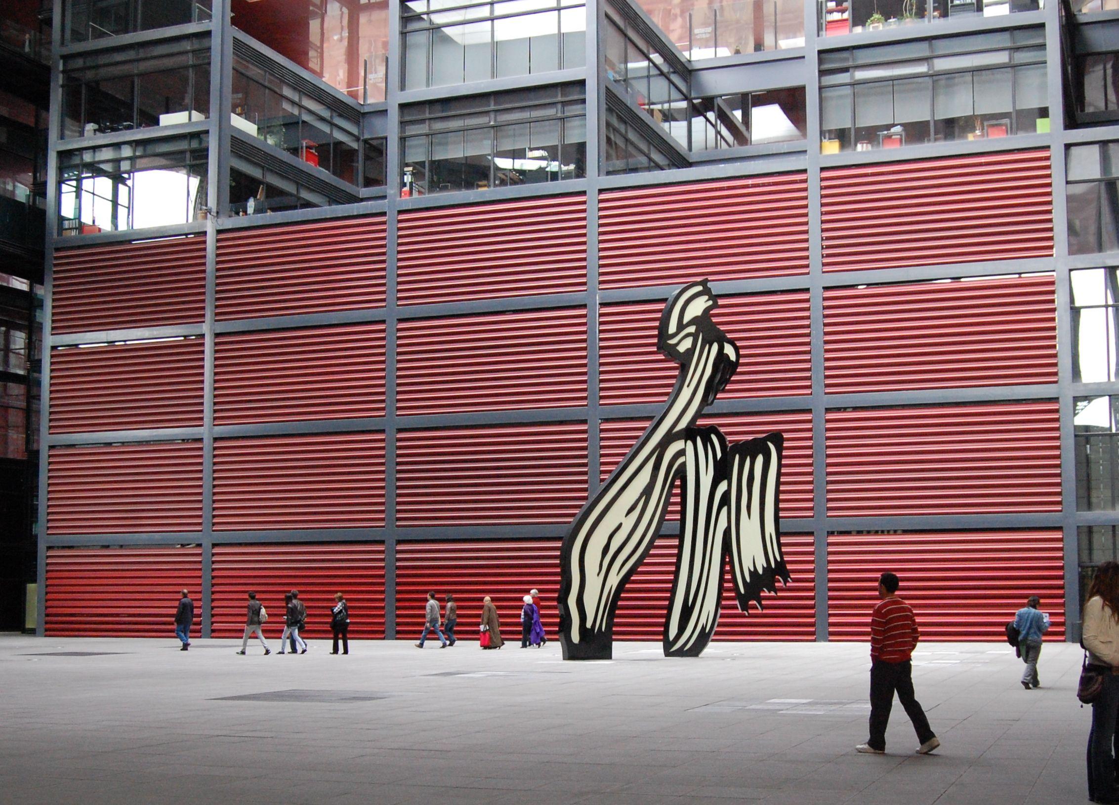 Brushstroke By Roy Lichtenstein Madrid Reina Sofia Museum Outdoor Sculpture Sculpture Museum