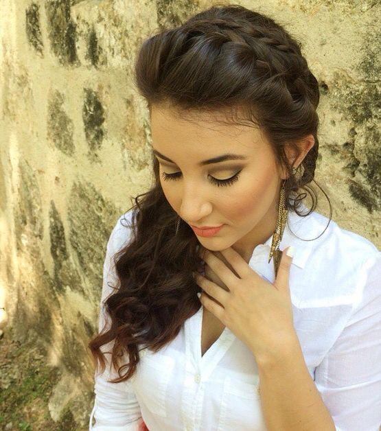 Wedding/ Hair stylist: cousin