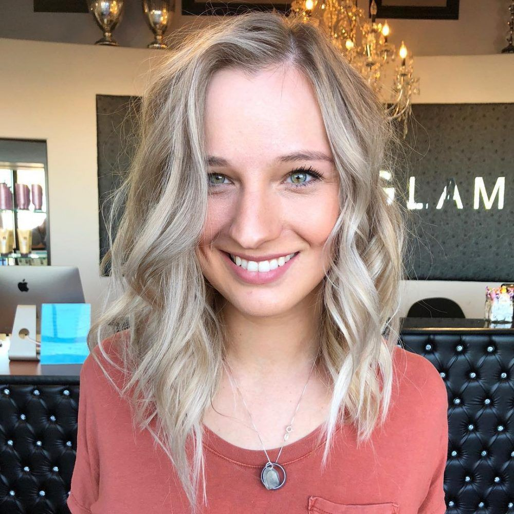 39 Flattering Hairstyles For Thinning Hair That Ll Boost Volume Hairstyles For Receding Hairline Hairstyles For Thin Hair Thin Hair Styles For Women