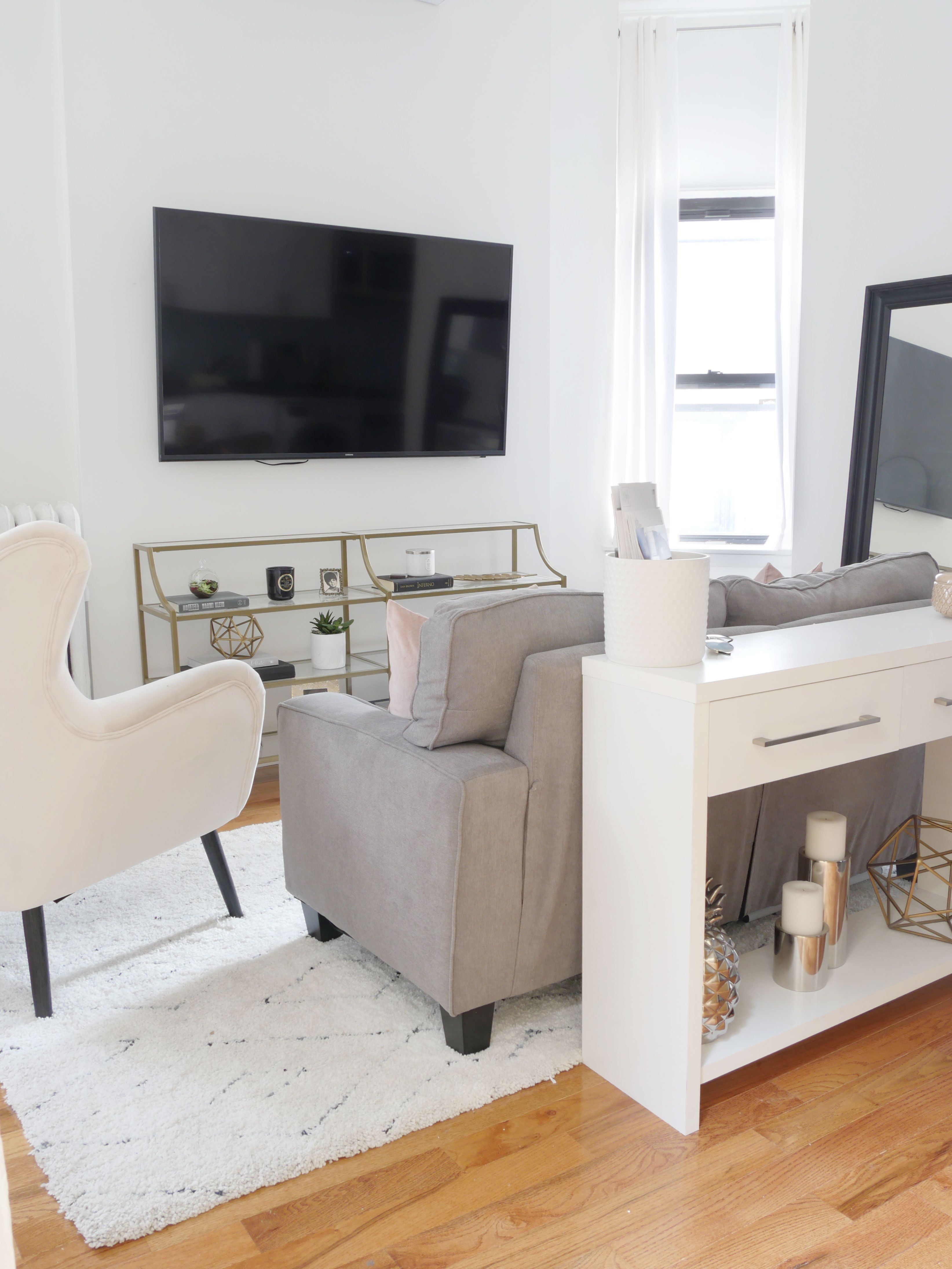 Before After The Most Charming Apartment In Nyc Small Apartment