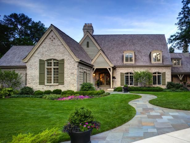 Bluestone Walkway W Lush Lawn And Landscaping Gorgeous Curb Appeal Http Www Hgtv Com Designers Portfolio Room With Images House Exterior Modern Cottage Brick Cottage