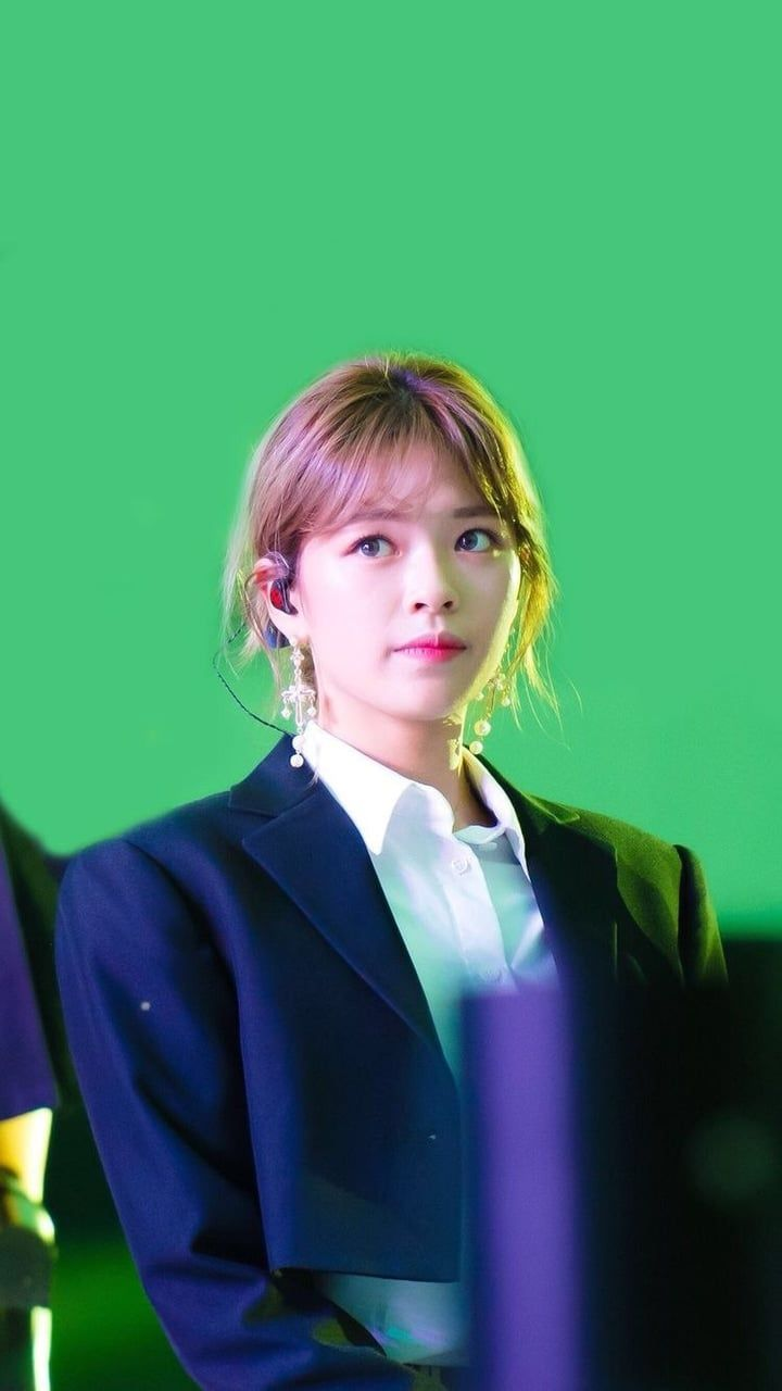 jeongyeon ;; unedited.  discovered by jeongtwice