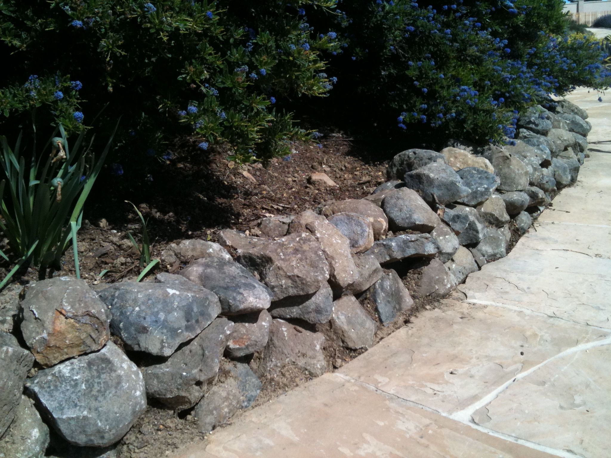Sonoma Fieldstone dry stacked wall | Landscaping Ideas | Pinterest ...