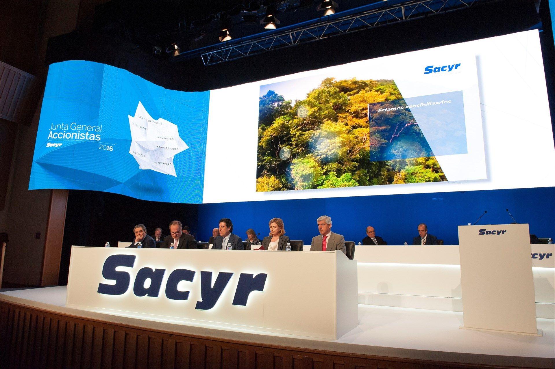 Sacyr anuncia que trabaja en un plan de sucesión de Manuel