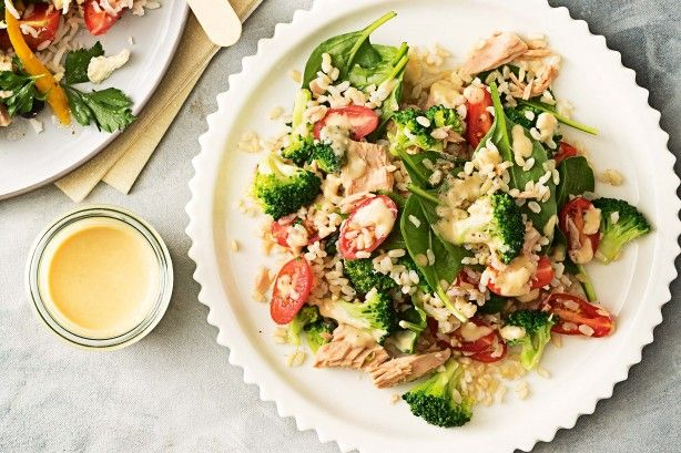We're ready for salad season! Here are a few of our favourite recipes you can whip up in 15 mins or less.