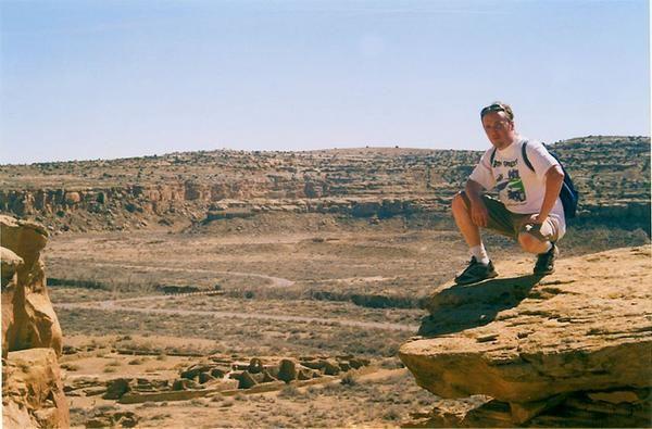 Hiking the trails over Chaco Canyon - Pueblo Arroyo / Pueblo Bonito