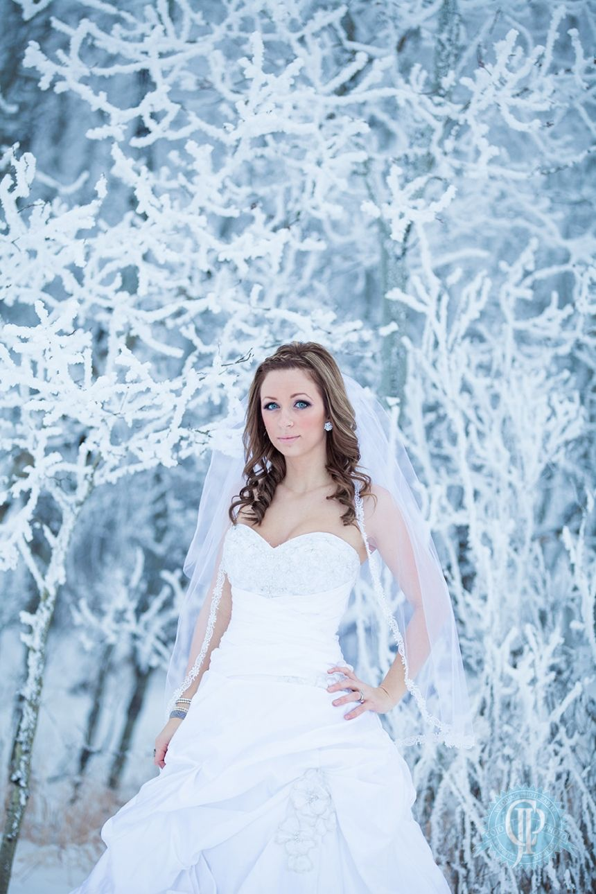 winter wedding trash the dress My Frosty Bride » COJOPHOTO Winnipeg ...