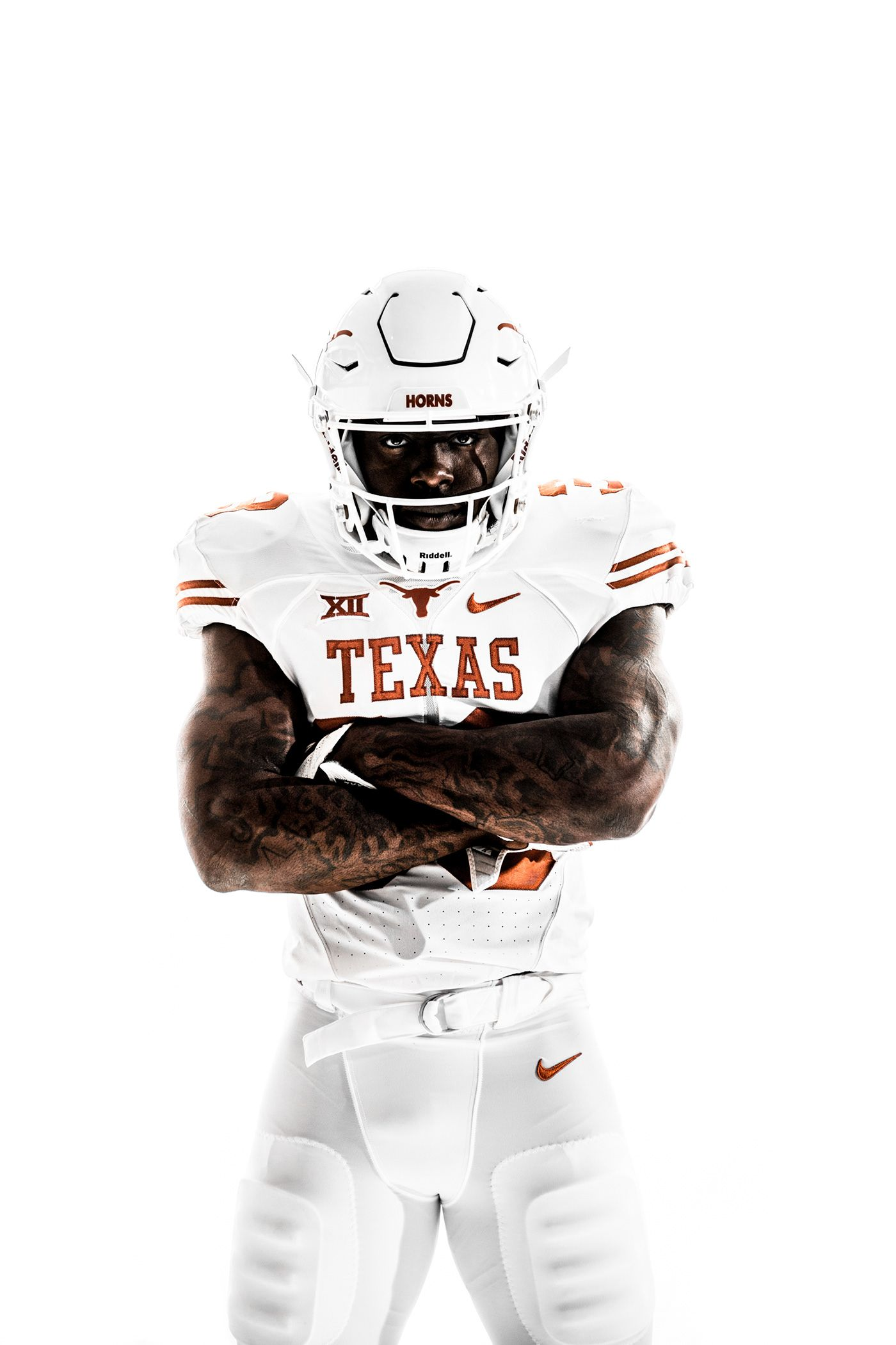 Pin By Slabedits On Photoshoot Poses Longhorns Football Texas Longhorns Football Football Poses