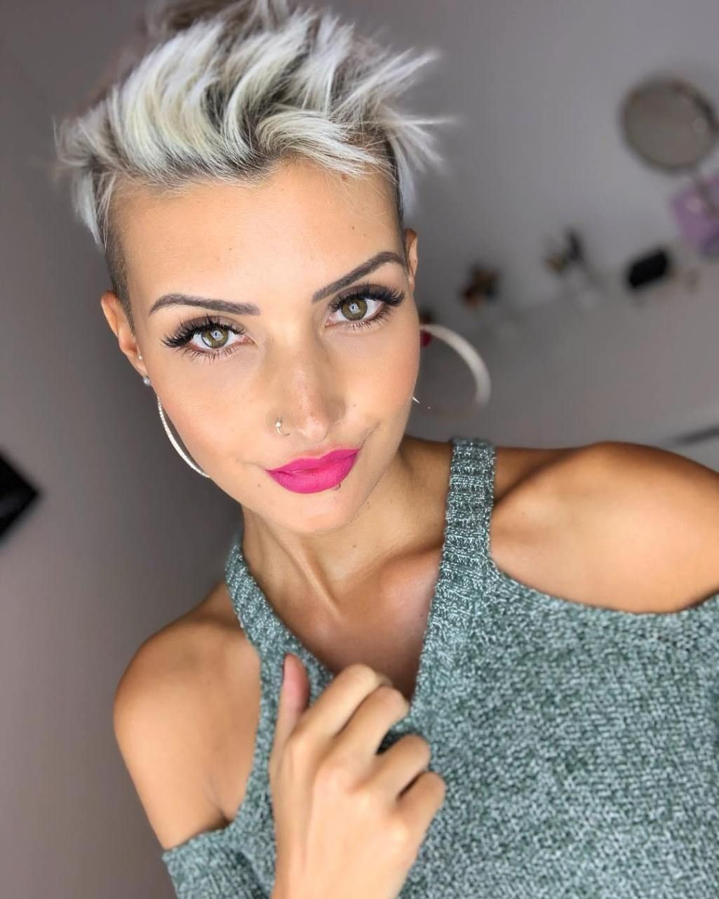 What Is The Best Hair Color For Hazel Eyes Hair Adviser In 2020 Cool Hairstyles Perfect Hair Color Cool Hair Color