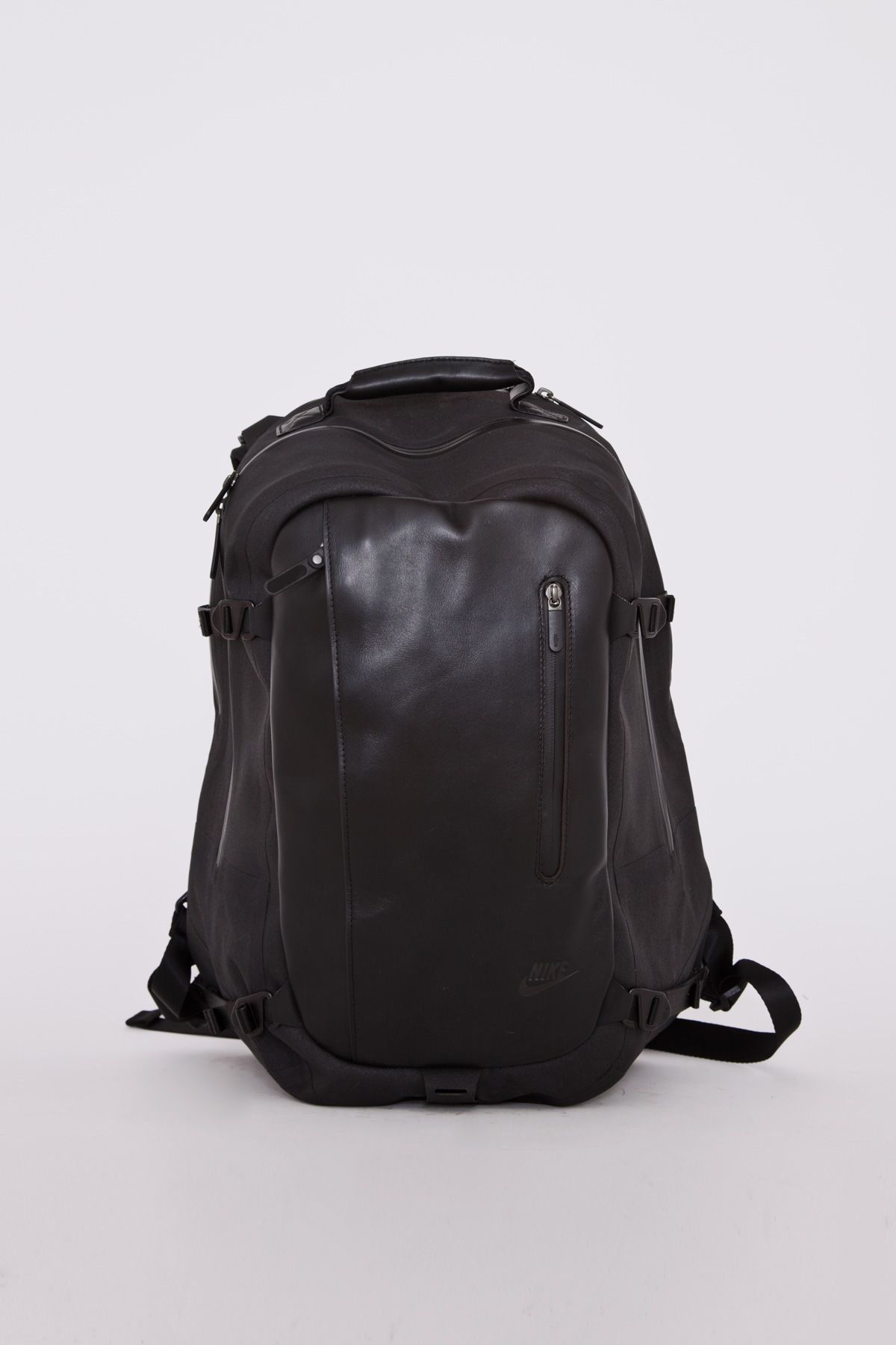 The latest version of the Nike Chayenne backpacks. Hardcover nylon,  waterreppelent with taped seams