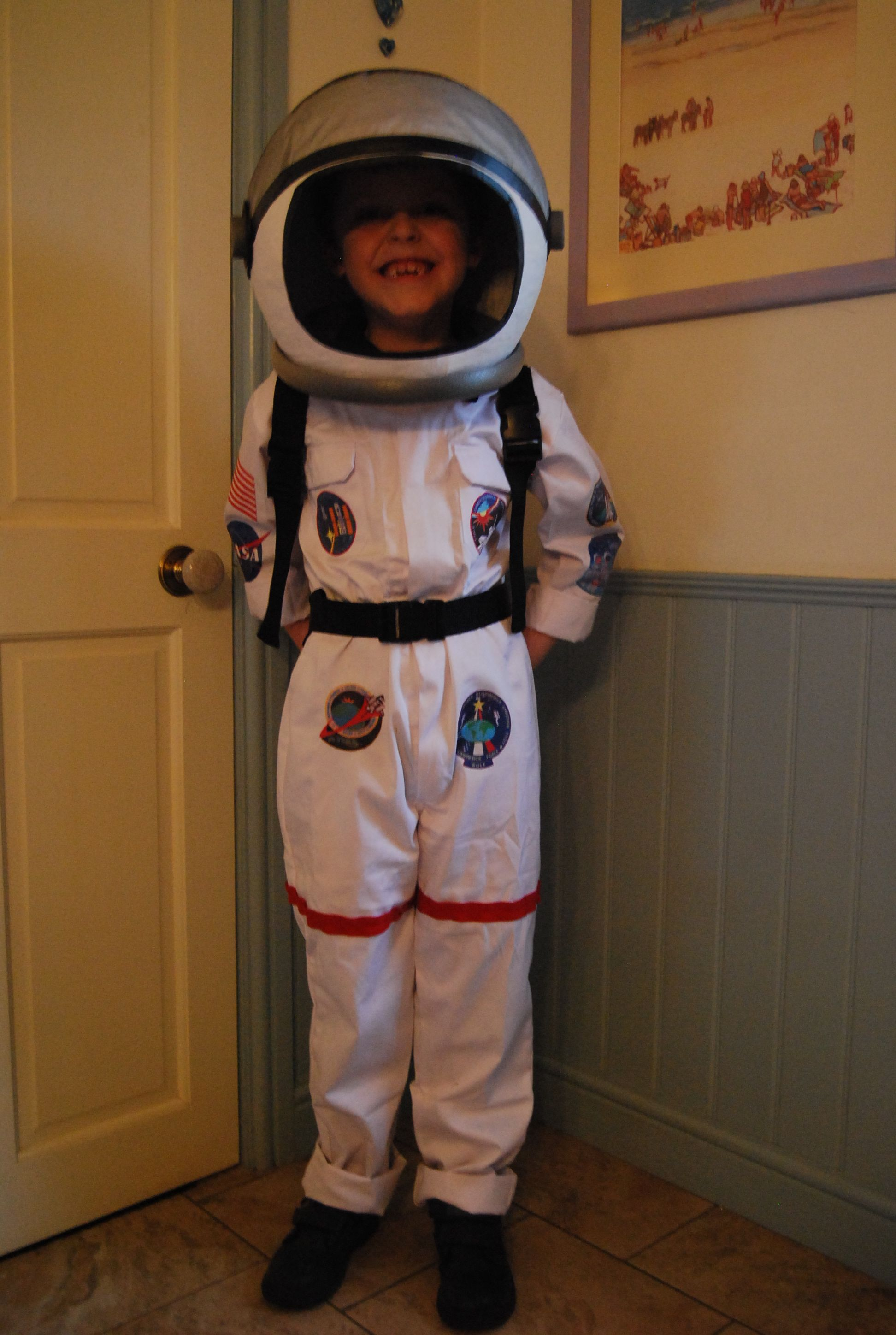 homemade astronaut costume for world book day paper m ch helmet spray painted with pipe. Black Bedroom Furniture Sets. Home Design Ideas