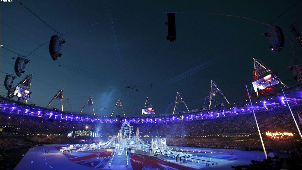 BBC Arabic - رياضة - لندن تودع الاولمبياد بحفل ختامي موسيقي
