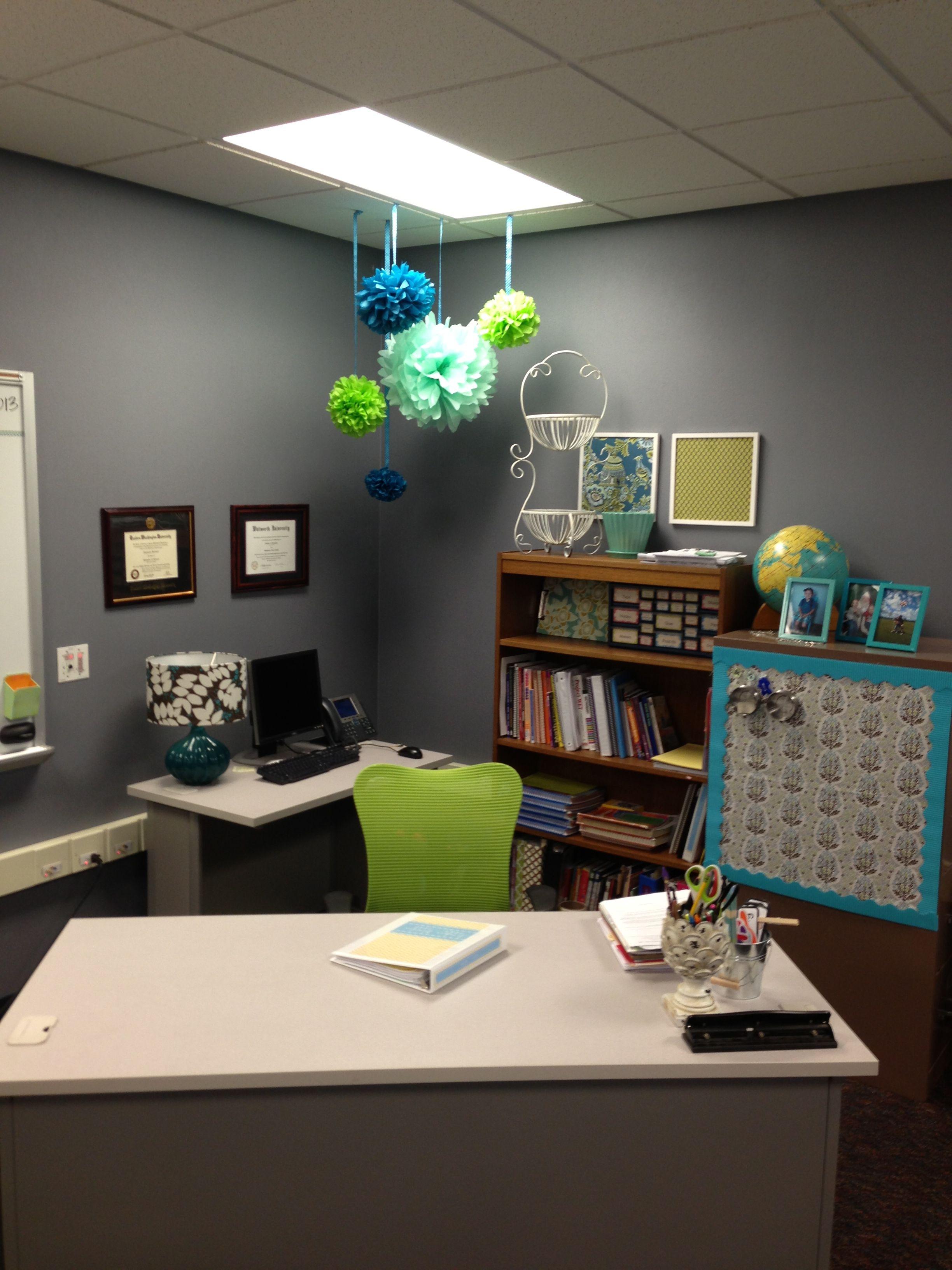 Pin By Alison Green On School Teacher Desk Organization Classroom Decor Teacher Desk Areas