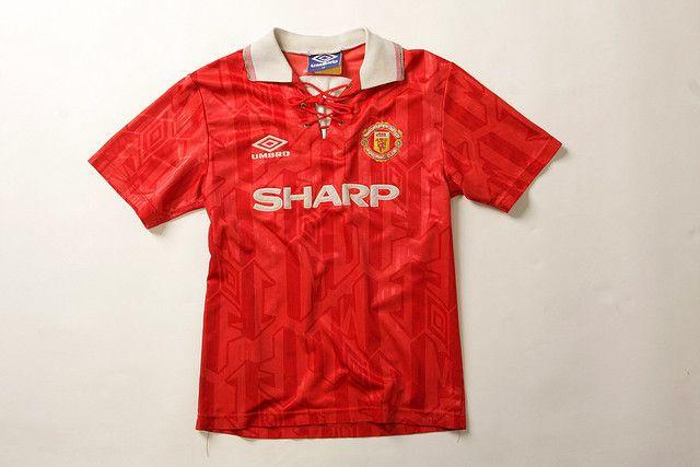 Man United's kit makes the best football retro kits. (Image: Pinterest)