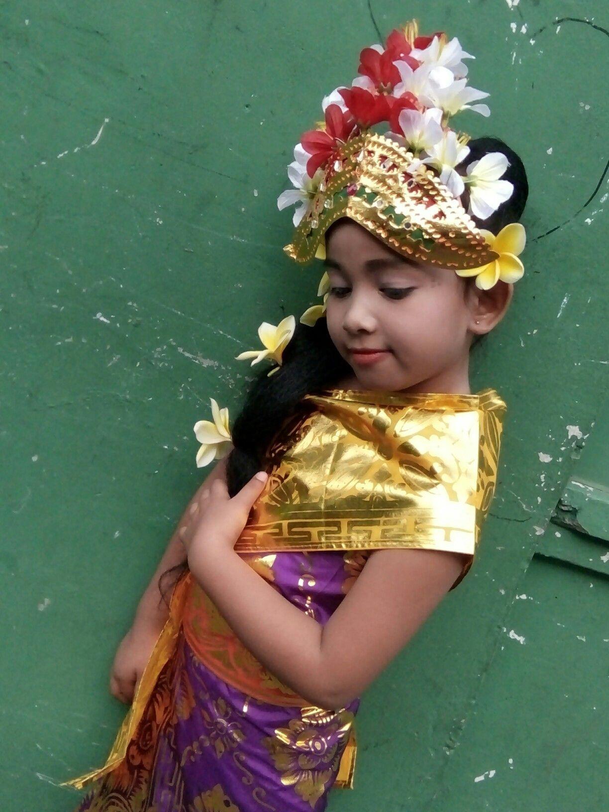 Pakaian Adat Sulawesi Anak