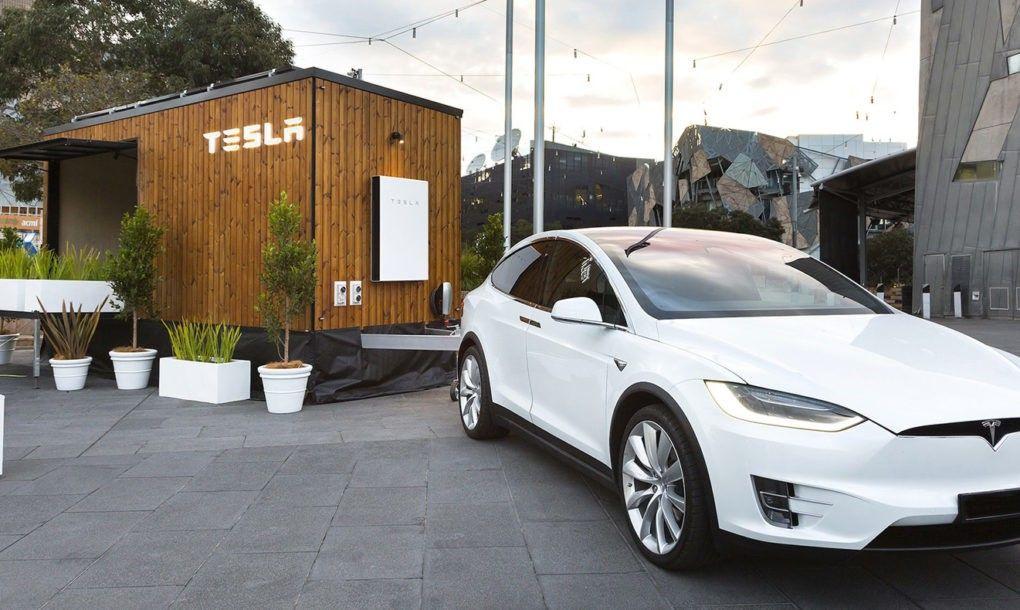Solar Powered Tesla Tiny House Hits The Road In Australia Building A Tiny House Tiny House Show Tiny House