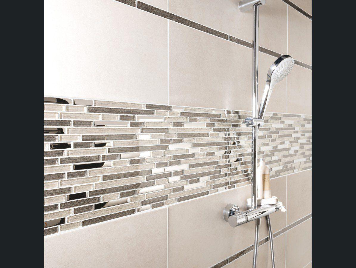 La Mosaique Revisite Les Carreaux De Ciment Idee Salle De Bain Salle De Bain Designs De Petite Salle De Bains