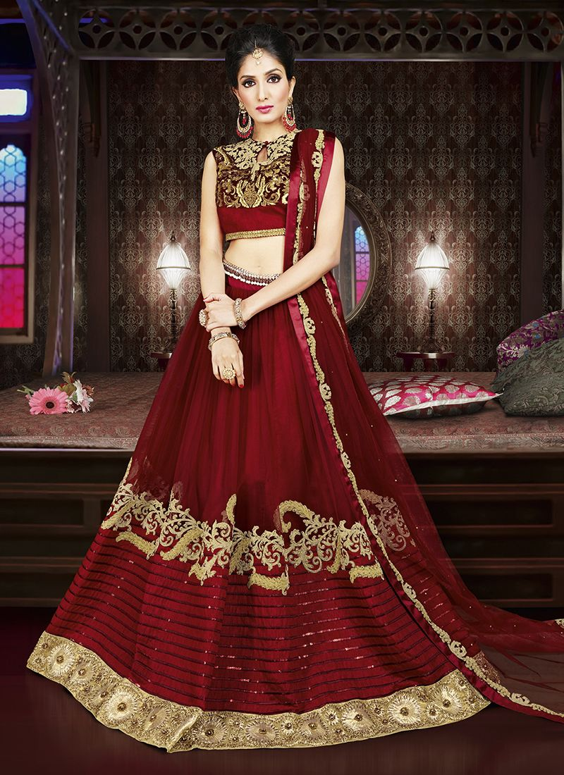 2f8e7df552 Red stylish bridal lehenga choli #lehengacholi #redlehenga #lenghas  #bridallehenga #bridallehengas #lehengacholi #weddinglehenga #hautecouture  # ...