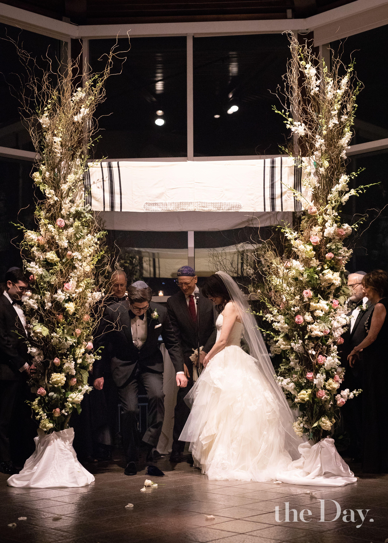 NYC Wedding. Jewish Wedding. Break the Glass. Tallis