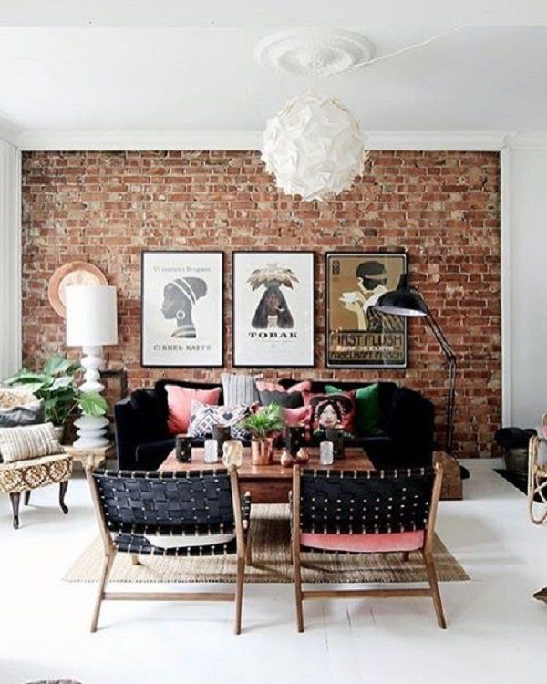 In home decoration are used very often and imitation or coverings for walls that mimic stone or brick very faithful. Different wraps are used for interior and the other for exterior, their use is widespread.