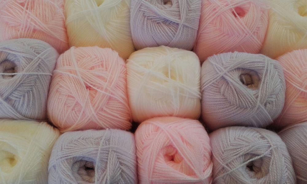 White Baby Shimmer 4 Ply Knitting Wool James Brett Acrylic Yarn 1 5 10 100g BYS4