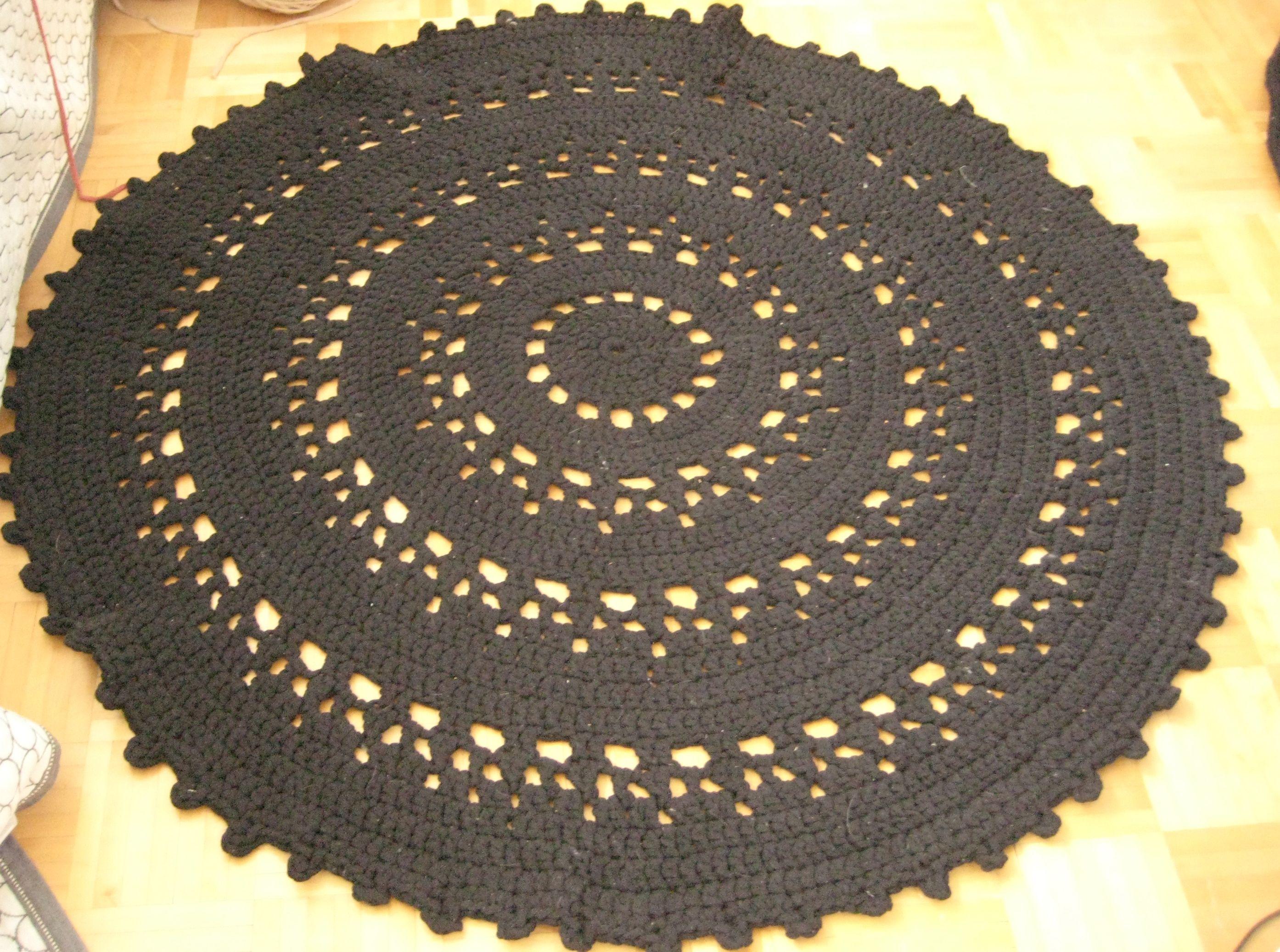 Virkattu matto -crochet rug