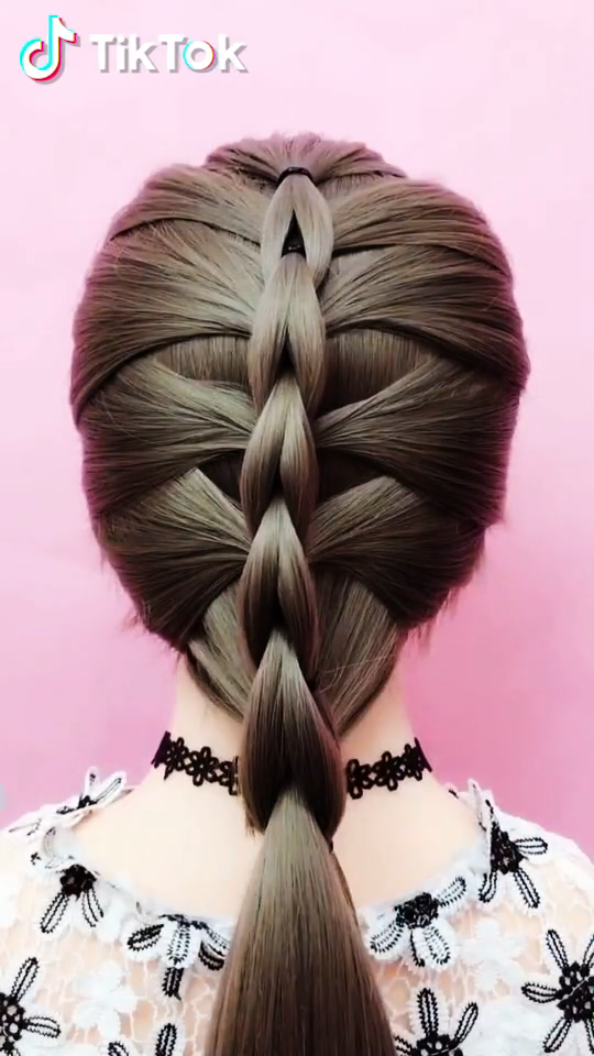 Tiktok Watch Funny Short Videos Super Easy To Try A New Hairstyle Download Tiktok Today To Find More Amazing Videos In 2020 Long Hair Styles Hair Beauty Hair