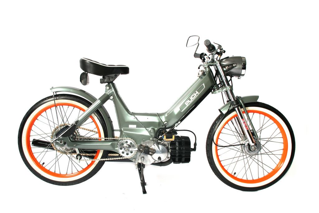 puch maxi n lookin 39 mean in that green me gusta moto. Black Bedroom Furniture Sets. Home Design Ideas