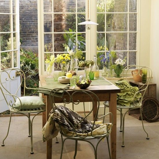 Garden dining room | Dining room furniture | Decorating ideas