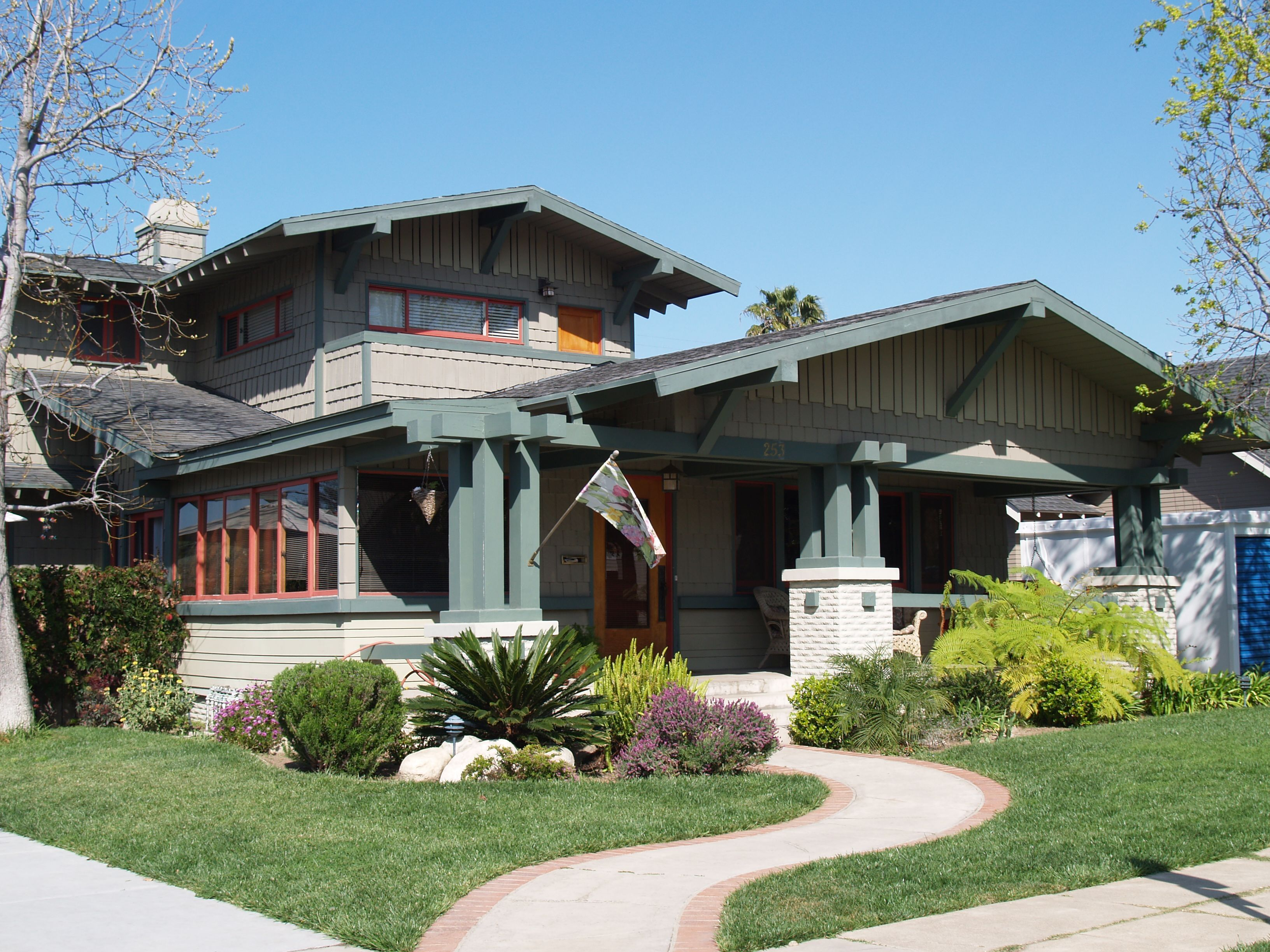 The Bungalow Girl Long Beach S Specialist Arts And Crafts House Plans
