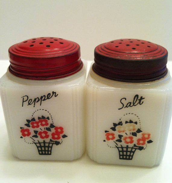Pin By Barbara Martin On Bread Boxes Vintage Salt Pepper Etc