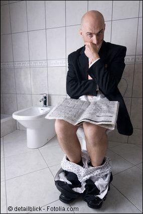 """Kundenanfrage heute: """"Können Sie mir bitte einen weißen WC- Kunststoffsitz in den Farbton bahamagelb umlackieren?"""""""