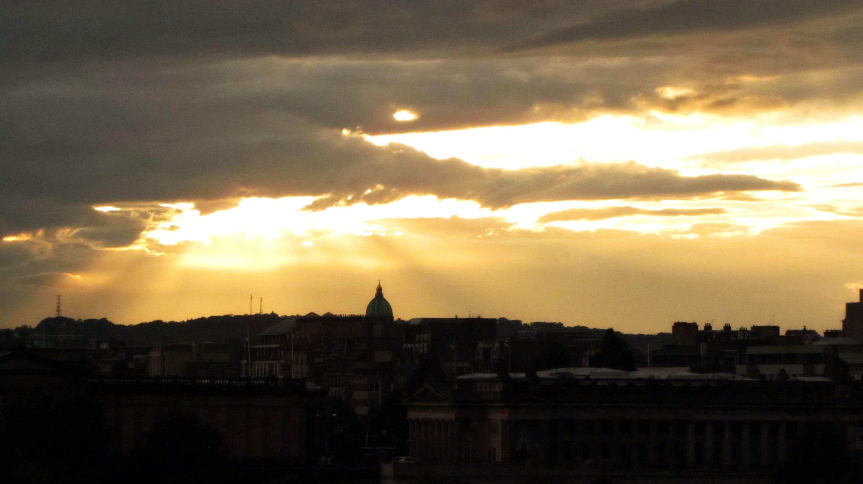 Edinburgh at sunset (shot by Marina Ferro)