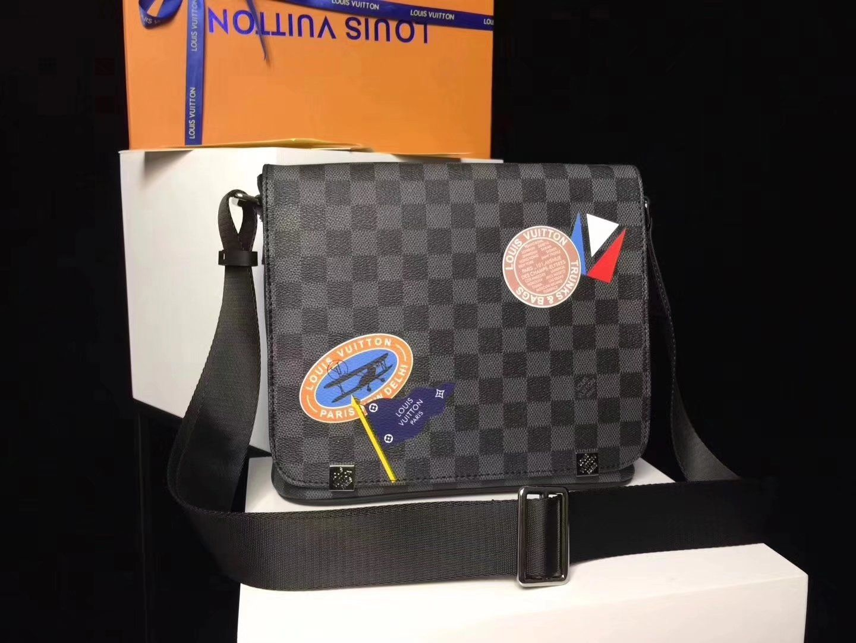00943f77 Replica Louis Vuitton men shoulder bag N41028 District PM ...