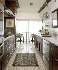 cozinha corredor retrô piso ladrilho