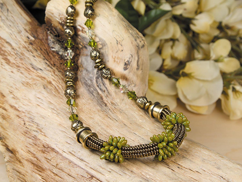 Tuscany green and brown herringbone necklace jewelry diyus