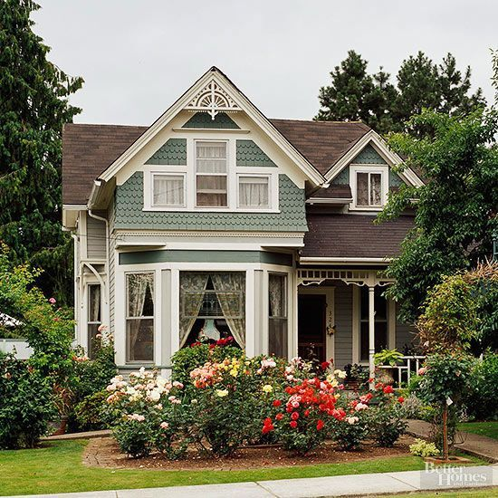 17 Victorian Style Houses With Stunning Decorative Details Victorian Style Homes Victorian Homes Cottage Style Homes