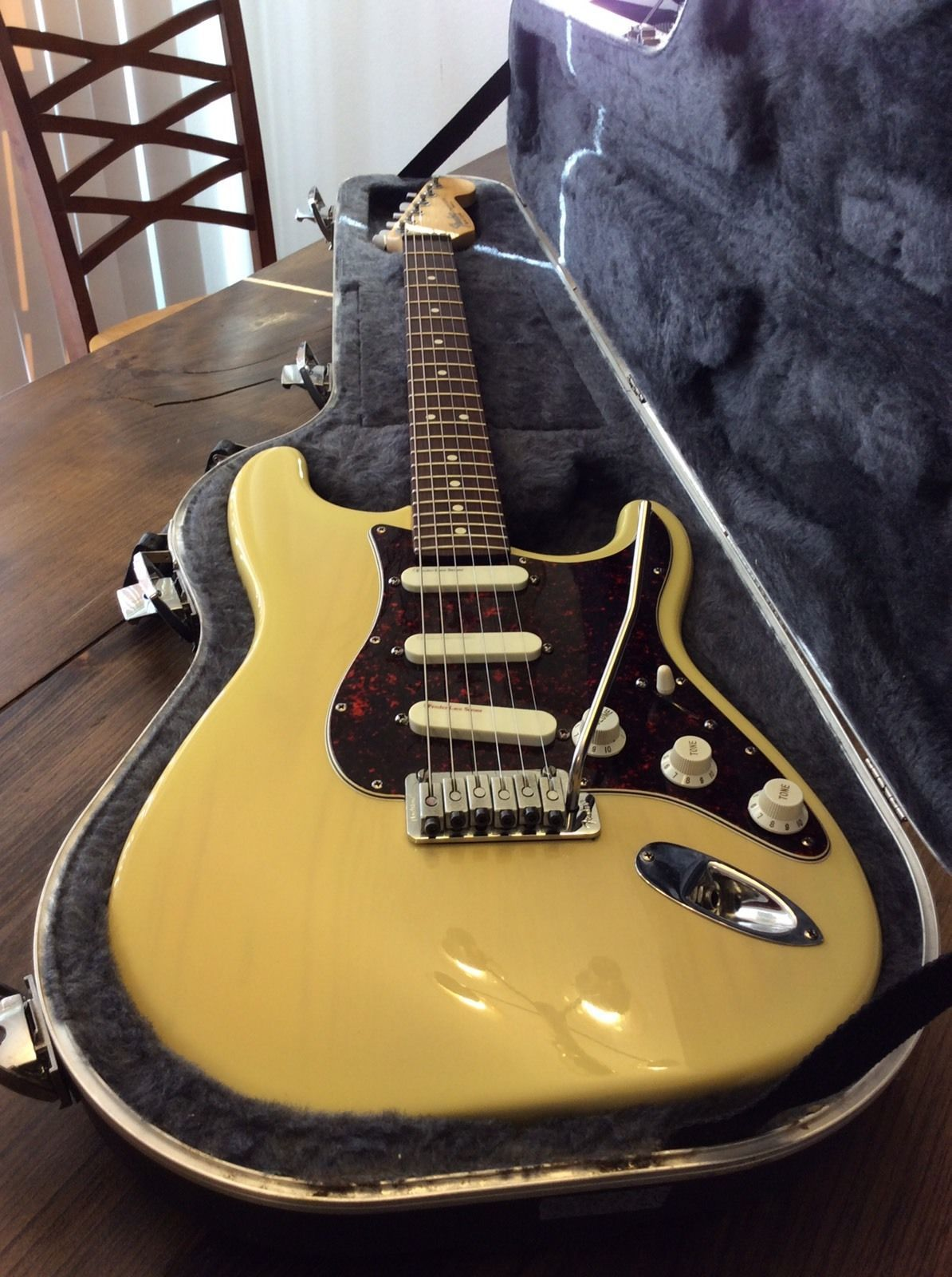 1993 fender stratocaster deluxe plus in vintage blonde common 1993 fender stratocaster deluxe plus in vintage blonde freerunsca Choice Image