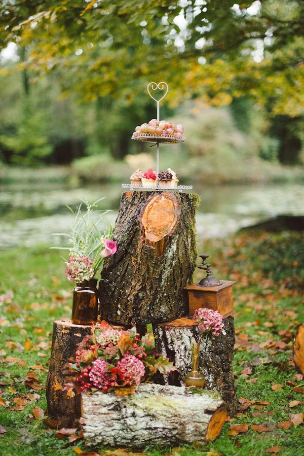 Woodland wedding decor #dessert #woodland #woodlandwedding #weddingdecor #outdoorwedding