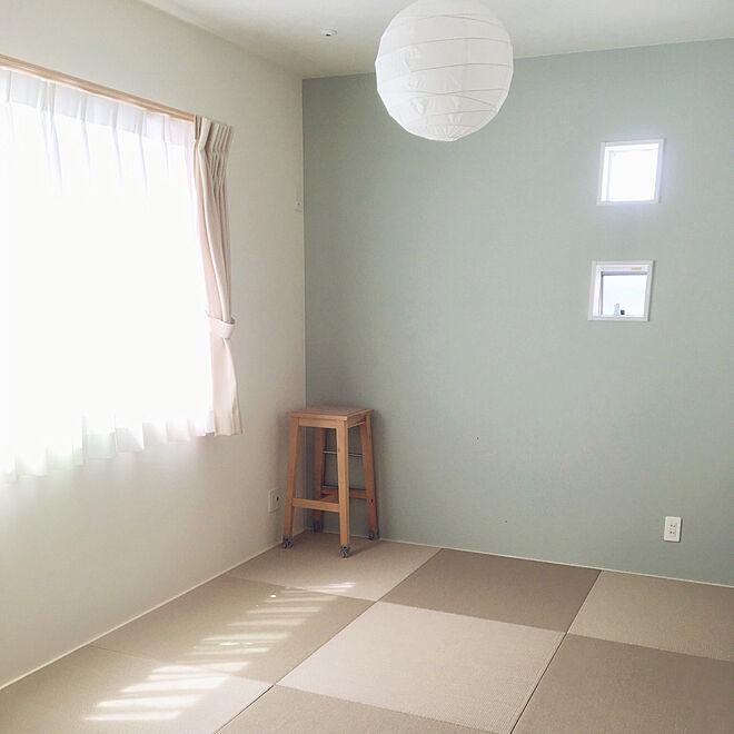 リビング 和室 ダイケン畳 Ikea 照明 ブルーグレーの壁 などの
