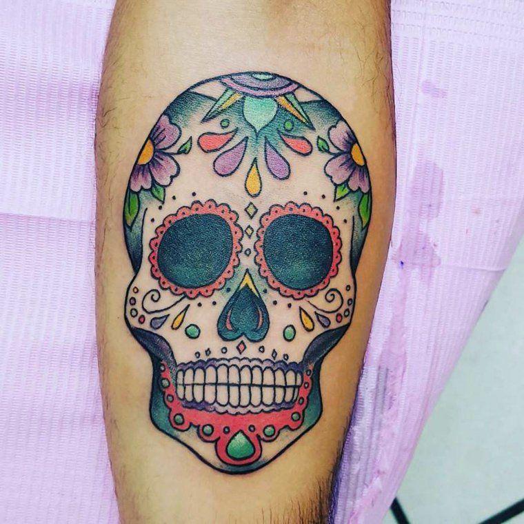 tatouage t te de mort mexicaine signification tendances exclusif pinterest tatouage. Black Bedroom Furniture Sets. Home Design Ideas