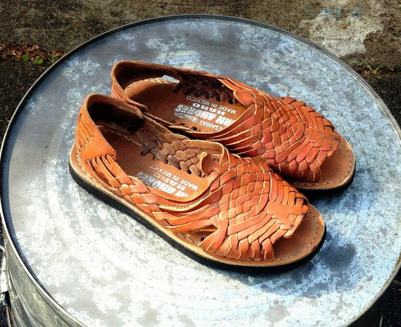 527bebdfd03 Vintage Leather Huarache Sandals sz 8 Mexico Hippie Festival Shoes ...