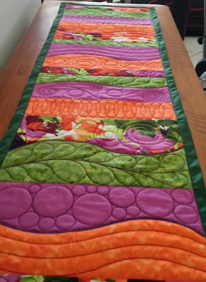 Freeform Table Runner Design Swpea Com Quilts