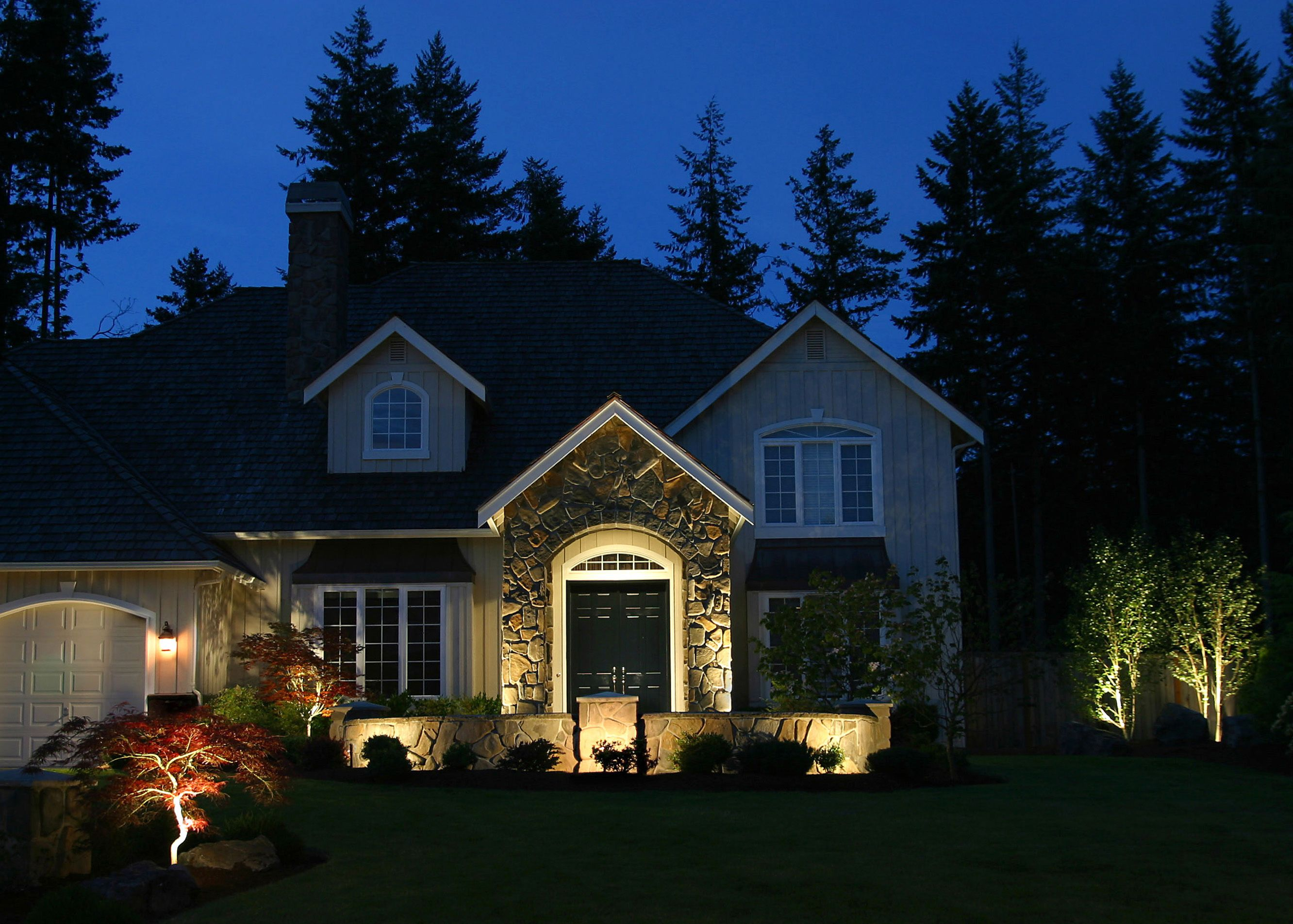 20 Landscaping Lighting Ideas For Front Yard Home Decorating Ideas Front Yard Lighting Landscape Lighting Ideas Front Yards Landscape Lighting Design