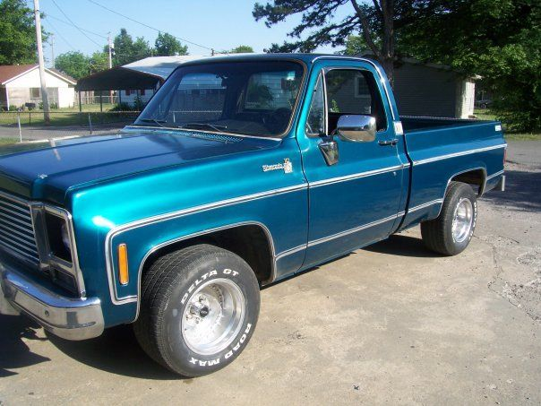 79 Chevy Truck reminds me of my dad the same color as his old one too but his was lifted